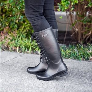 Lace up matte black Roma rain boots